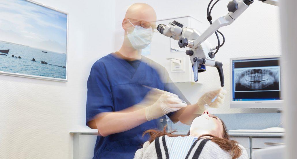 Mikroskopische Endodontie